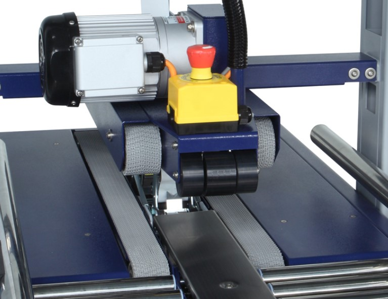 Motorized top and bottom belt conveyors