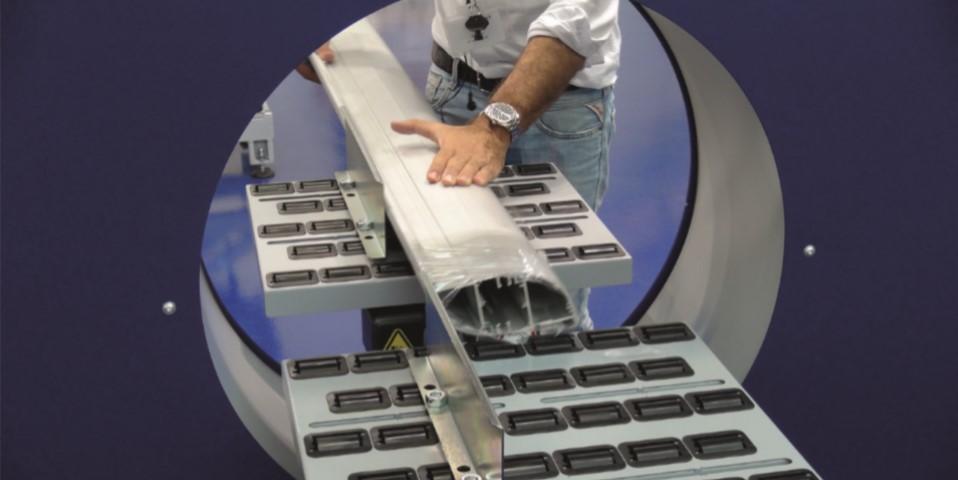 Compacta horizontal semi automatic stretch wrapper Robopac USA